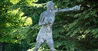 Statue-of-Eddie-Thomas