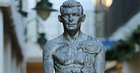 Statue-of-Howard-Winstone